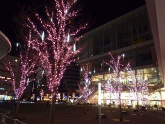 JR川口駅東口キュポラ広場