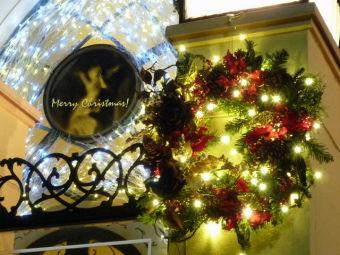 クリスマスカード(ル・アンジェ教会 リース)640x480