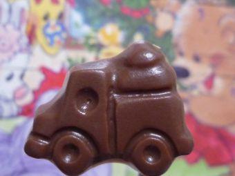 自動車…惜しい、トラックでした