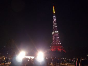2015西暦表示の東京タワー02