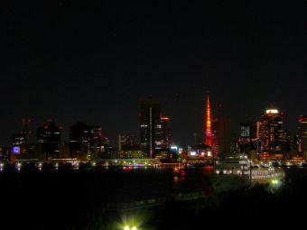 「2015」表示の東京タワー01